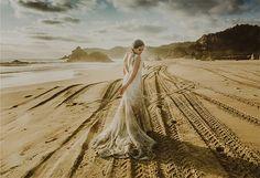 trash the dress en playa, vestido de novia, fotografia de boda, trash the dress, fotografo profesional, fotos de boda, wedding photographer.