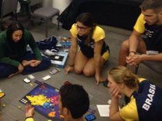 Atletas olímpicos trocam redes sociais por Cubo Mágico no Brasil