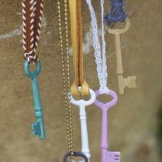 Enameled Vintage Keys DIY