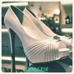 Que tal concorrer a um Divalesi incrível como este? :D Acesse: http://www.sapatonuncaedemais.com.br/participe <3 #shoes #Fashion #Maravilhoso