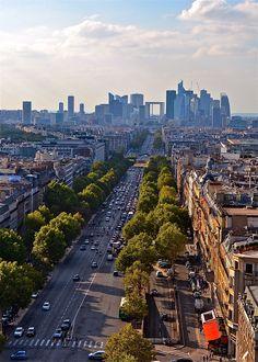 Avenue des Champs Elysées - Paris