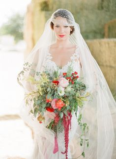 Spring Inspired Elopement | Photo by Brooke Merrill Photography | Read more - http://www.100layercake.com/blog/wp-content/uploads/2015/02/Spring-Inspired-Elopement-1.jpg