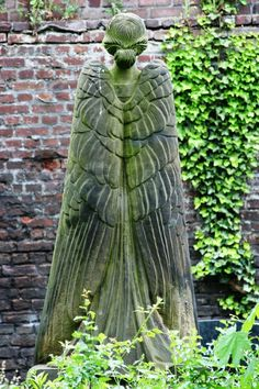 Angel at the Melaten Cemetery Cologne.