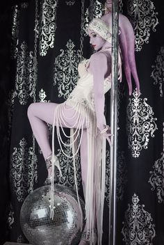 Burlesque style Twi'lek from Star Wars by Russian artistVavalika