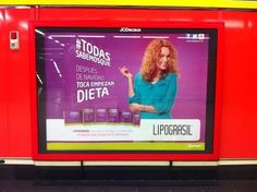 """16 anuncios tan machistas que te harán decir """"¿Hola? ¿Estamos en 2017?"""" Metro Madrid, Broadway Shows, Advertising, World, Means Of Communication, Ad Campaigns, Christmas Post"""