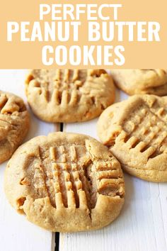 Soft and chewy Peanut Butter Cookies that melt in your mouth with every single bite! It's the best Peanut Butter cookie recipe, easy to make, and takes less than 15 minutes to prepare! Homemade Peanut Butter Cookies, Classic Peanut Butter Cookies, Chewy Peanut Butter Cookies, Best Peanut Butter, Butter Cookies Recipe, Peanut Butter Cookie Recipes, Easy Homemade Cookies, Chocolate Sugar Cookie Recipe, Almond Butter Cookies