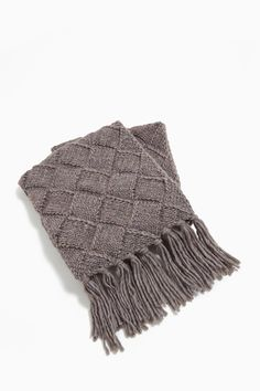 543327d6c8b7 Chunky Diamond-Knit Scarf With Fringe - shades of fall