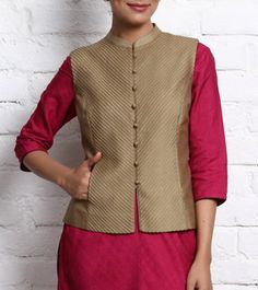 Smart Style for the Executive on the move-Corporate Indian wear. Salwar Designs, Blouse Designs, Indian Attire, Indian Wear, Estilo India, Jacket Pattern, Suit Pattern, Jackets For Women, Clothes For Women