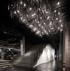 The design of this restaurant is really dramatic. Zense restaurant by Department of ARCHITECTURE Bangkok Thailand Ceiling Light Design, Modern Ceiling, Ceiling Lights, Ceiling Art, Commercial Design, Commercial Interiors, Interior Lighting, Lighting Design, Apartment Lighting