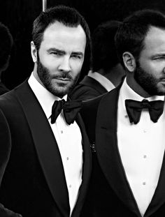 The man, the legend. Tom Ford born Thomas Carlyle on August 1961 Tom Ford Tuxedo, Smoking, Tom Ford Beauty, Black Tie Affair, Celebrity Travel, Celebrity Style, Architecture Tattoo, Well Dressed Men, Animal Design