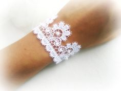 White lace bridal bracelet embroidered lace by MalinaCapricciosa
