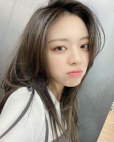 I Love Girls, Cool Girl, South Korean Girls, Korean Girl Groups, Twitter Update, Kpop Girls, Pretty, Icons, Pop Photos
