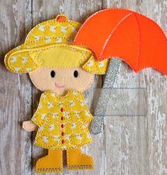 Il pleut, il est coulée ! Habiller sa poupée pour la prochaine saison des pluies de printemps ! La liste comprend : 1 imperméable 1 parasol chapeau de 1 pluie 1 paire de bottes Tissus peuvent varier!! Poupée vendue séparément. ** Sil vous plaît note ** mes produits sont tous personnalisés fabriqués par moi sur commande. Les photos utilisées dans les listes sont toutes les commandes qui ont été réalisées pour les autres clients. Les tissus utilisés ont été choisis soit par moi ou, sur dem...
