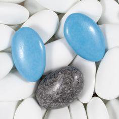 Dragées Finesse Extrême Lérida Blanc, 1 Galet Lorenzo Gris Granité et 2 Dragées Décors chocolat Bleu Galaxie