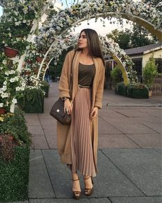 Image in Mode et compagnie. collection by AMSI Casual Winter Outfits, Winter Fashion Outfits, Look Fashion, Trendy Fashion, Girl Fashion, Modest Outfits, Classy Outfits, Modest Fashion, Cute Outfits With Jeans