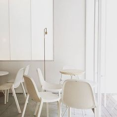 Serene interiors at @apf.kafe featuring Broom chairs by @starck. : repost @haloly16 #emeco #broom #philippestarck #apfkafe