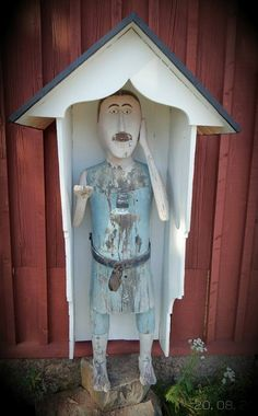 Wooden Statues, Folk Art, The Outsiders, Mosaic, Mixed Media, Objects, Carving, Street, Outdoor Decor