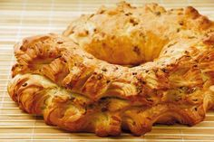 Es una receta fácil, sencilla, típica de la panadería uruguaya, ideal para comer tibia o fría acompañando un rico té, café o un buen matecito