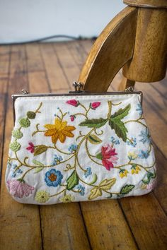 99754a7bc6ae Vintage Floral Embroidered Kisslock Purse by AveryVintageShop on Etsy