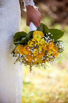 yellow rose and baby's breath bouquet. Photo courtesy of Crash Taylor.