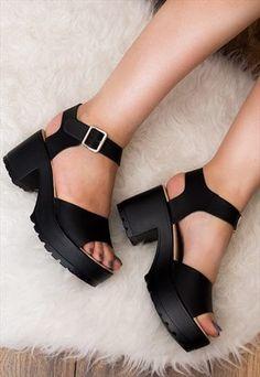 Platform Sandals - How To Build An Impressive Shoe Wardrobe Black Block Heel Sandals, Platform Block Heels, Black Shoes, Platform Heel Sandals, Black Sandals, Leather Sandals, Black Leather Shoes, Heels Outfits, Sandals Outfit