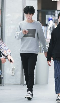 Jung Joon Young, Pop Rock, Normcore, Style, Fashion, Swag, Moda, Fashion Styles, Fashion Illustrations
