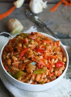 Chakalaka - Immaculate Bites Chakalaka- a refreshing spicy tomato bean relish that will provoke your taste bud. South African Dishes, South African Recipes, Ethnic Recipes, Braai Recipes, Dinner Recipes, Cooking Recipes, Oven Recipes, Spicy Dishes, Food Dishes
