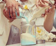 ~海をテーマにした素敵なwedding~ テーブルラウンドではゲストの方全員から砂を集め、ホワイトとブルーの砂でサンドセレモニー♥ #ベイサイドパーク迎賓館 #baysideparkgeihinkan #迎賓館 #weddingphoto #wedding #weddingday #bridal #結婚式 #ウエディング #ウエディングプランナー #海テーマ #サンドセレモニー #テイクアンドギヴニーズ #love #happy #オリジナルウエディング #オリジナルウエディングフォト