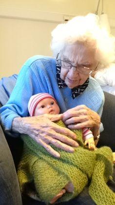 Perfect Montessori Activities for the Elderly | WhatEver | Elderly