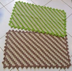 tapetes a crochet rectangulares faciles Crochet Table Mat, Crochet Doily Rug, Crochet Placemats, Crochet Dishcloths, Crochet Squares, Filet Crochet, Crochet Patterns, Crochet Videos, Free Pattern