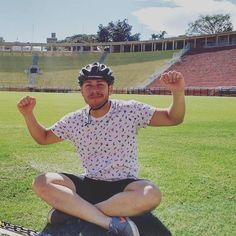Gramado do Pacaembu... #liberdade #photooftheday #pacaembu #futebol #mobilidadeurbana #bike #viver #mtb #modal #pedalando #vida #cycling #bicycle #bicicleta #co2free #sustentabilidade #maykonbarrospresidentedarepublica2022 #issomudaomundo #gt #stravacycling #Deus #natureza #meioambiente #brasil #moocabikers #movie #ride by maykon_barros http://ift.tt/1qCWFrP