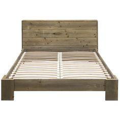 Geniet van een heerlijke nachtrust op dit robuuste en stoere steigerhouten bed. Het bed is een Nederlands product gemaakt van duurzaam vurenhout dat enkel is behandeld met beits op waterbasis. Exclusief matrassen. Afmeting: 160x200 cm. Hoogte: 32 cm. Kleur: grijs.