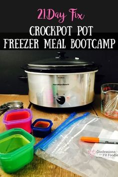 Buffalo Chicken Chili Recipe -- Freezer Meal Prep for your crock pot for 21 Day Fix success! I'll show you how to make freezer meals for your slow cooker that are healthy and delicious! 21 Day Fix Crock Pot Freezer Meal Bootcamp Crock Pot Freezer, Healthy Freezer Meals, Freezer Cooking, Healthy Crockpot Recipes, Easy Cooking, Crockpot Meals, Lunch Recipes, 21dayfix Recipes, Dinner Recipes