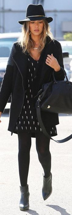Who made Jessica Alba's black hat, leather handbag, gold jewelry, and leather…