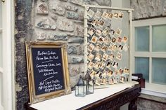 idée plan de table mariage avec photos d'enfance polaroid des invités