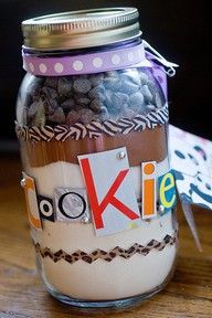 cookie in a jar for gifts !