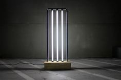 Picture of Vertical fluorescent lamp