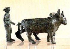"""Etruscans: """"L'aratore"""" (IV secolo a.C.) bronzo di produzione aretina. Roma, Museo di Villa Giulia"""