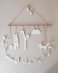 Baby Diy Mobile Simple New Ideas Diy Clay, Clay Crafts, Diy And Crafts, Diy Crafts Vases, Diy Air Dry Clay, Diy For Kids, Crafts For Kids, Air Dry Clay Ideas For Kids, Mobiles For Kids