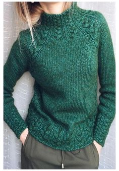 Sweater Knitting Patterns, Knit Patterns, Hand Knitting, Vogue Knitting, Knitting Machine, Vintage Knitting, Raglan Pullover, Moda Blog, Baby Sweaters