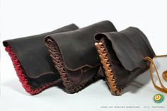 tabaqueras cosido trenzado Leather Tobacco Pouch, Leather Wallet, Leather Bags Handmade, Leather Craft, Medicine Bag, Leather Accessories, Leather Working, Wallets For Women, Cuff Bracelets