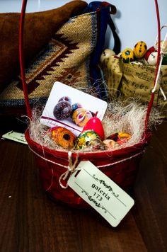 Ornament pentru Sarbatorile Pascale - Ornament pentru Sarbatorile Pascale - Produse unicat si editie limitata   Galeria 173 Pastel, Gift Wrapping, Blog, Gifts, Gift Wrapping Paper, Cake, Presents, Wrapping Gifts, Blogging