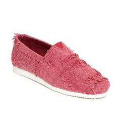 Indiatimes offers Ziera Red men designer casual shoes only in Rs. 799 only. Just fit and comfort in these shoes. You can wear it on jeans, shorts, trousers during walk or go away somewhere outside. Quality of these products are very good. Key Features Material: Canvas Sole: EVA Closing: Slip Ons For more detail or … Continue reading Ziera Red Men Casual Shoes