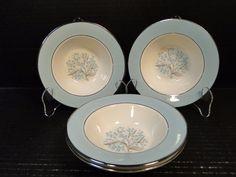 Zeller Fayencerie Bowls 6 cm Small flowers Blue Trim Set of Four Vintage Pins, Unique Vintage, Vintage Items, Dessert Bowls, Small Flowers, Blue Lace, Berries, Decorative Plates, Soup Bowls