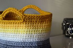 Love this Crocheted Basket....need to make some for storage in the guest bath...FREE Crocheted basket pattern!