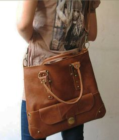 Brown Color Schulter oder Tote Bag abnehmbaren Gur von Apipi's Boutique for Handmade Leather Bags and Shoes auf DaWanda.com