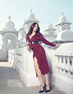 A Very Sweet Blog: Vogue India: Kareena Kapoor + Taj Falaknuma Palace 2013
