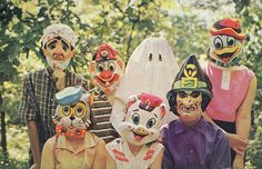 Remember these?Halloween Costumes Children's Halloween costumes from the - ghost, cat, pig, duck pirate, clown & witch! 1960s Halloween, Childrens Halloween Costumes, Vintage Halloween Photos, Halloween Horror, Vintage Holiday, Halloween Masks, Holidays Halloween, Happy Halloween, Halloween Party