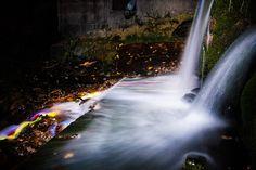Leuchtende Wasserfälle