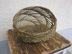 Spiralgeflecht für Tisch